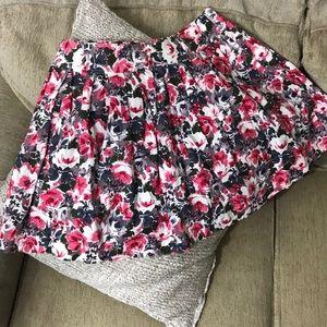 Floral pleated lined mini skirt